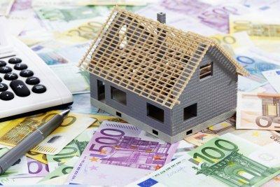 Bestandsimmobilien: Abriss und Neubau oder energetische Sanierung?: